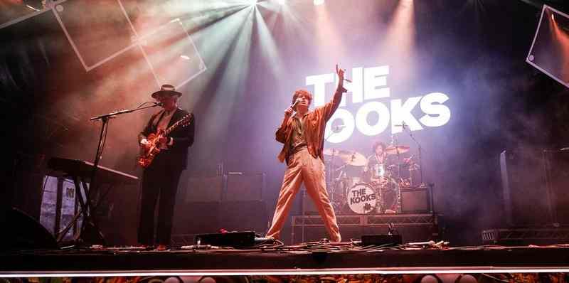 The Kooks Live